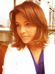 O cabelo médio de Mariana Rios para a novela Salve Jorge.