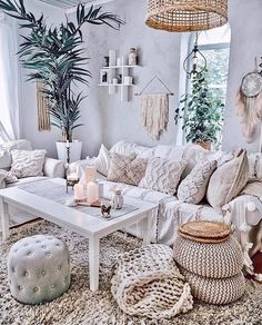 Living Room Inspiration, Home Decor Inspiration, Decor Ideas, Room Decor Bedroom, Living Room Decor, Winter Living Room, Chill Room, Bohemian Decor, Bohemian Style