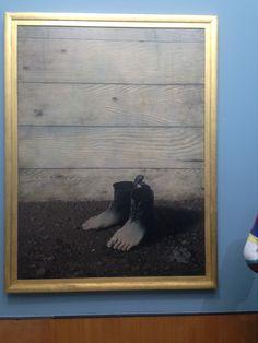 Ik heb dit kunstwerk gezien bij het biomans en ik vond deze heel leuk omdat je ziet dat voeten in een schoen veranderen of andersom en dat maakt het uniek en bijzonder!