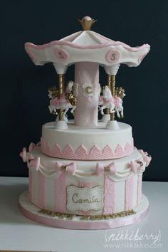Nikkiikkin carousel cake 1
