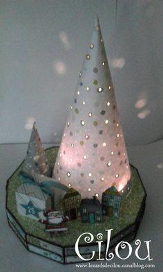 calendrier de l'Avent Christmas Crafts For Gifts, Christmas Table Decorations, Christmas Themes, Handmade Christmas, Craft Gifts, Christmas Diy, Christmas Bulbs, Holiday Decor, Christmas Stuff