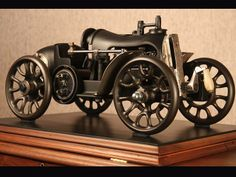 Steampunk car made with sewing machines. Steampunk, Arte Bar, Metal Art Sculpture, Antique Sewing Machines, Scrap Metal Art, Metal Toys, Junk Art, Welding Art, Metal Projects