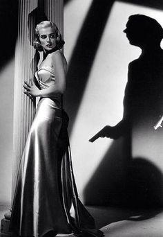 Second Hand Wine Fridge Film Noir Photography, Cinematic Photography, Detective, Lizabeth Scott, Aesthetic Women, Dark City, Vintage Hollywood, Hollywood Glamour, City Of Angels