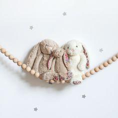 Des nouveaux lapins Jellycat ont fait leur rentrée et sont à adopter ♡ . . #jellycat #petitsixieme #doudou #bebe #cadeaunaissance #cadeaudenaissance #baby #cute
