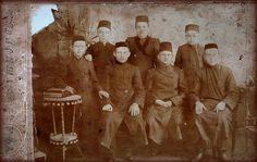 Tatars. 1910 год.Мамаев Исмагил Талхович сидит слева второй,Уфа