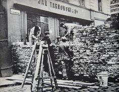 Building of the Ghetto Warsaw walls