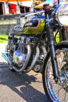 green honda cafe 2 | Flickr - Photo Sharing! Honda cb's. Probably the current generations best vintage custom option.