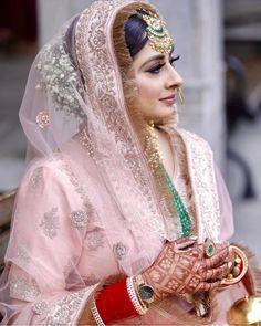 Indian Bridal Outfits, Indian Bridal Fashion, Indian Designer Outfits, Bridal Suits Punjabi, Pakistani Bridal Dresses, Punjabi Wedding, Punjabi Bride, Indian Dresses, Sikh Wedding Dress