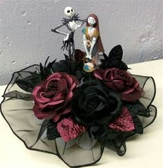 the nightmare before christmas wedding cake top I so would like this for my cake if anthony would go for it