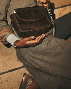 Cross body leather bag. Handmade in South Africa. Shipped worldwide. Stonecamp leather brown Brunchbag