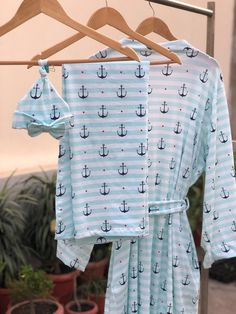 Maternity robe and Swaddle set boy. Mommy and me. Labor and delivery. First Baby Pictures, Baby Photos, Newborn Beanie, Cotton Gowns, Anchor Print, Dad To Be Shirts, Baby Wearing, Maternity Dresses, Blue Stripes
