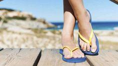 Αντιμετώπιση της άκανθας πτέρνας: τι πρέπει να κάνετε - Με Υγεία Melt Method, Flipflops, We Wear, How To Wear, Flat Shapes, Walk On, Health Problems, Summer Time, Metabolism