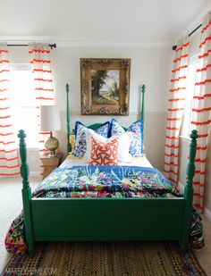 Little girl's bold and eclectic bedroom is set off by a Craigslist find, four poster bed painted in a vibrant green - such as CIL Eleanor's Emerald / Émeraude d'Eléanor Green Bedding, Green Curtains, Little Girl Bedrooms, Girls Bedroom, Living Room Modern, Home And Living, Painted Beds, For Elise, Interior Design Themes