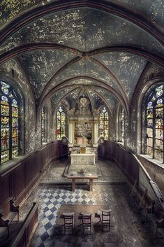 Abandoned Chapel R. by kleiner uRbEx hobbit Abandoned Churches, Abandoned Mansions, Abandoned Places, Beautiful Architecture, Beautiful Buildings, Classical Architecture, Beautiful Ruins, Beautiful Places, Old Mansions