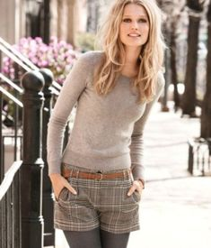 Take a look at the best winter Shorts for college in the photos below and get ideas for your outfits! winter shorts and tights Image source Cute Fall Outfits, Fall Winter Outfits, Winter Dresses, Autumn Winter Fashion, Dress Winter, Winter Tights, Dress Summer, Winter Clothes, Winter Shorts Outfits