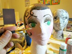 How to make handpainted paper mache mannequin heads. Cute idea to hold your hats or headbands! Retro Crafts, Fun Crafts, Paper Mache Crafts For Kids, Paper Mache Head, Peach Paint, Styrofoam Head, Hat Holder, Beautiful Christmas Cards, Mannequin Heads