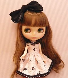 1 : 6 Scale Blythe, pullip, Azone Black Cat print Puffy fabric Dress   Doll Apparel   Doll Fashion   Doll Dress Blythe black cat print dress, Handmade with puffy cotton fabric and lace. The price is i