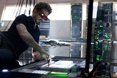 Paramount Pictures has unveiled a new photo from Iron Man 2 featuring Tony Stark (Robert Downey Jr.) working in the lab. Marvel Comics, Dr Marvel, Marvel Heroes, Robert Downey Jr, Bucky Tony, Avengers, New Iron Man, Blockbuster Film, Iron Man Tony Stark