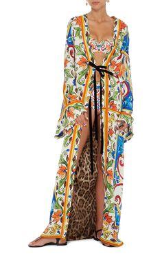 Dolce and Gabbana's caftan has an effortless airy silhouette. Ethnic Outfits, Ethnic Clothes, Beachwear, Women's Swimwear, Kimono Top, How To Wear, Shopping, Collection, Dresses Dresses