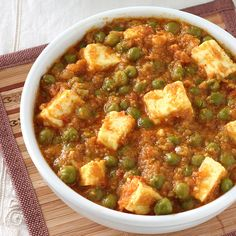 Matar Paneer - Green Peas and Indian Style Cottage Cheese (Paneer) Curry with Tomato and Onion Gravy - Step by Step Photo Recipe(Vegan Curry Masala) Matar Paneer Recipe Easy, Paneer Recipes, Veg Recipes, Curry Recipes, Indian Food Recipes, Vegetarian Recipes, Cooking Recipes, Healthy Recipes, Malai Recipe