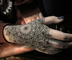 30 mandala tattoo designs to get inspiration - henna - . - 30 mandala tattoo designs to get inspired – henna – inspire let - Tribal Hand Tattoos, Hand Tattoos For Women, Maori Tattoos, Tattoo Designs For Women, Finger Tattoos, Body Art Tattoos, Sleeve Tattoos, Mandala Tattoos For Women, Henna Tattoos