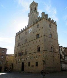 Il Palazzo dei Priori a Volterra #Volterra #Tuscany #Italy