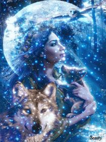 """""""Bruxas caminham em equilíbrio com o ritmo da lua e das marés, detêm o conhecimento antigo, e têm visão sagrada. Elas são as curandeiras..."""