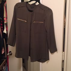 Gorgeous Olive Theory Top Olive green Theory top. Three quarter sleeves with gold zipper detail and buttons up. Size small. Theory Tops Tees - Long Sleeve