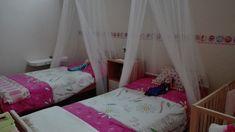 girls bedroom, princess bed