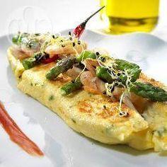 Omelette espagnole aux champignons, asperges et crevettes