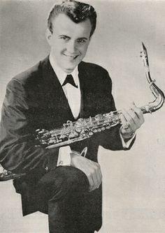 Johnny Paris.