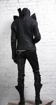 future, futuristic, cyberpunk, dark fashion, cyberpunk fashion, future fashion, urban style, man in black, cyberpunk clothing, total black, by FuturisticNews.com