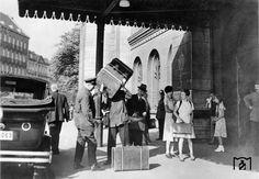 Invalidenstraße, Haupteingang des Stettiner Bahnhofs (heute Nordbahnhof). Berlin, 1932. o.p.