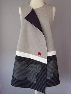 Long Round Neck Vest with Abstract Shapes and Teal Accent, Juanita Girardin Sewing Clothes, Diy Clothes, Look Fashion, Womens Fashion, Fashion Design, Batik Dress, Kimono, Linen Dresses, Mode Inspiration