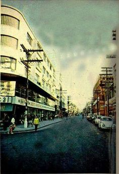 1970 - Rua 12 de Outubro. À esquerda a Loja Ducal.