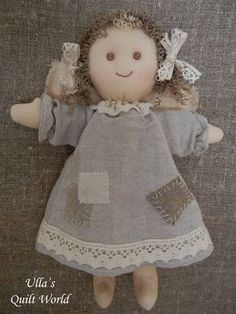Ulla's Quilt World: Angel and pattern, quilt. Could adapt for Waldorf doll Doll Crafts, Diy Doll, Sewing Dolls, Waldorf Dolls, Soft Dolls, Stuffed Animal Patterns, Fabric Dolls, Handmade Toys, Doll Patterns