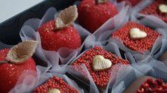 Para comemorar o Dia dos Namorados , a Louzieh criou um linha que vai deixar o seu amor ainda mais doce.   E os sabores: Brigadeiro Branco c...