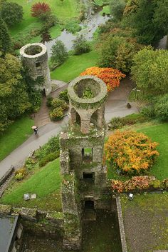 Blarney Castle towers in County Cork, Ireland (by jim.cassady).