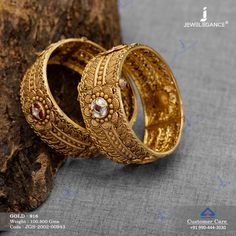 Jadtar Bangles jewellery for Women by jewelegance. ✔ Certified Hallmark Premium Gold Jewellery At Best Price New Gold Jewellery Designs, Gold Bridal Jewellery Sets, Gold Mangalsutra Designs, Gold Bangles Design, Gold Earrings Designs, Gold Jewelry, Women Jewelry, Fashion Jewelry, Gold Fashion