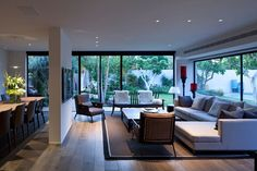 Modern private residence designed by Studio Nurit Leshem, located in Tel Aviv, Israel. Open Living Room Design, Home Interior Design, Home Room Design, House Architecture Design, Modern House Design, Interior Architecture, Home, Farmhouse Kitchen Interior, Home Decor