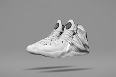 The drawing for the NikeLab LeBron 12 Elite x Pigalle is now open for 30 minutes: https://thedraw.nike.com/9-3-15/nikelab-lebron-12-pigalle… #21MNYC