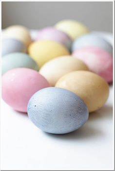 Naturally Dyed Easter Eggs