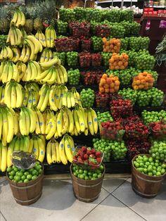 Royal Fruit Fruit And Veg, Fruits And Vegetables, Fresh Fruit, Vegetable Shop, Supermarket Design, Fruit Shop, Fruit Stands, Fruit Photography, Grilling Gifts