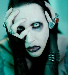 Today is the birthday of a great artist Happy Birthday, Marilyn Manson! Arte Marilyn Manson, Rock Bands, Brian Warner, Hardcore, Photoshop, Funny Tattoos, Axl Rose, Iron Maiden, Pics Art