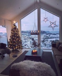 cozy christmas home decor for winter - christmas decoration ideas - home decor - interior design for the winter - cozy living room - living room inspiration Inspire Me Home Decor, Christmas Mood, Christmas Lights, Vintage Christmas, Christmas Ideas, Christmas Inspiration, Christmas Scenery, Christmas Landscape, Cabin Christmas