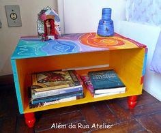 Reciclagem de caixote de frutas by ALÉM DA RUA ATELIER/Veronica Kraemer, via Flickr  #caixote
