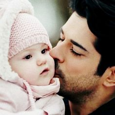 Image uploaded by Lex. Find images and videos about love, kara sevda and neslihan atagül on We Heart It - the app to get lost in what you love. Turkish People, Turkish Actors, Turkish Men, Cute Family, Family Goals, Hot Actors, Actors & Actresses, Father And Baby, Hayat And Murat