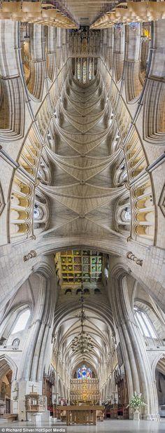 1409247664259_wps_1_Southwalk_Cathedral_Londo.jpg (470×1232)
