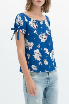 KCLOTH Blue Floral Printed Casual Tee with Detailed Sleeves