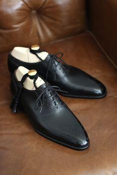 Handmade leather shoes for sale Me Too Shoes, Men's Shoes, Shoe Boots, Shoes Men, Gentleman Shoes, Fashion Shoes, Mens Fashion, Handmade Leather Shoes, Black Dress Shoes